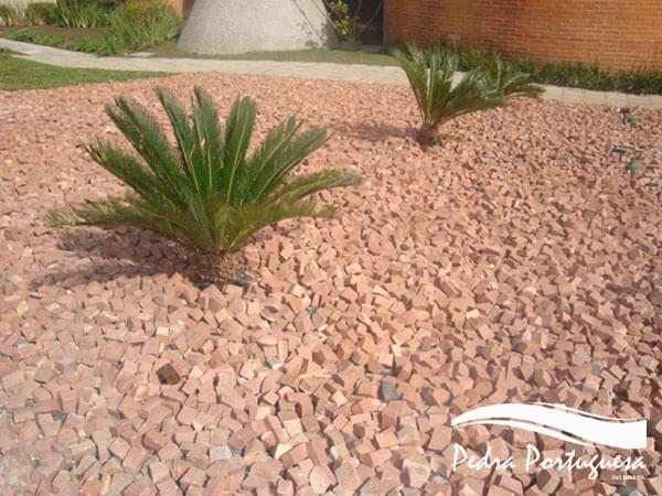 Pedra Portuguesa em Jardim