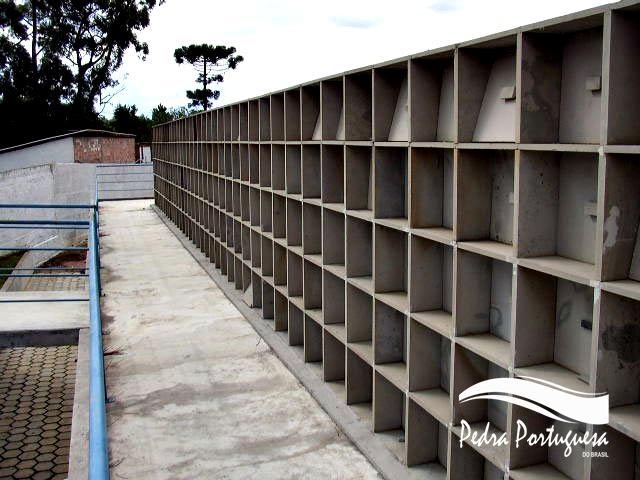 Cemitério Vertical - Túmulos de Ardósia