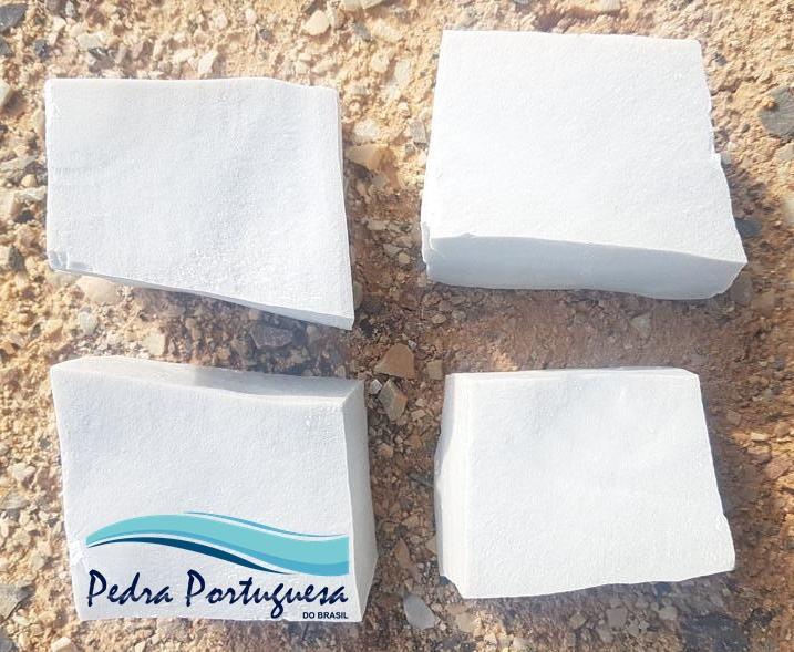 Pedra Portuguesa Branco Neve Mosaico